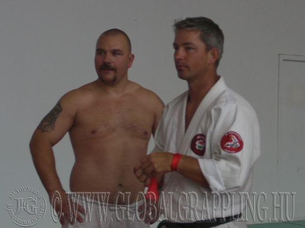 NoGi küzdelem előtt mesterével sensei Kovács Gáborral