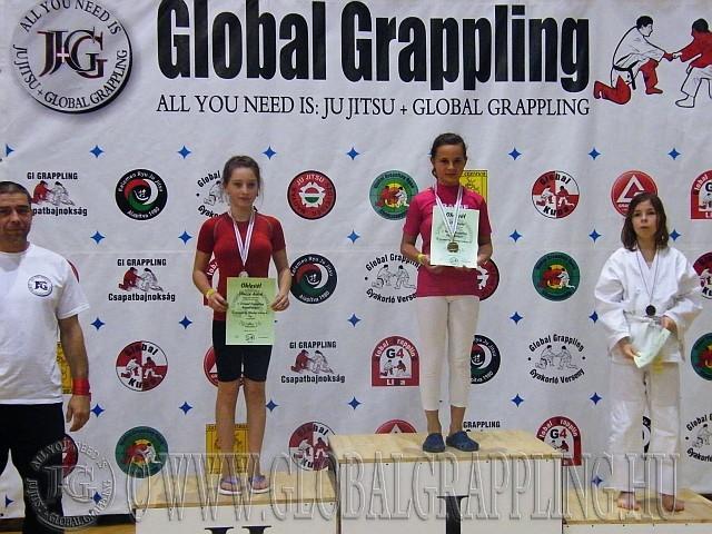 Díjátadás az Ifjúsági Leány 42 kg kategóriában
