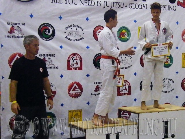 A Gi Grappling Ifjúsági2 Fiú 59  kg. kategória dobogója