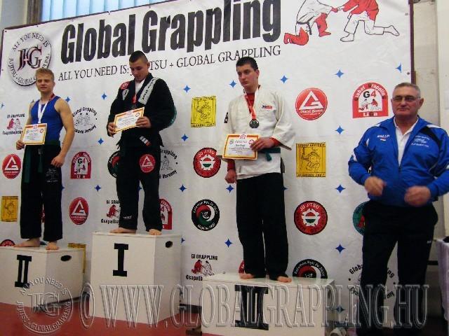 A Gi Grappling Ifjúsági2 Fiú 80 kg. kategória dobogója