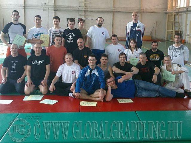 A Koko Fight Club tagjai a környékbeli kempo versenyzőkkel