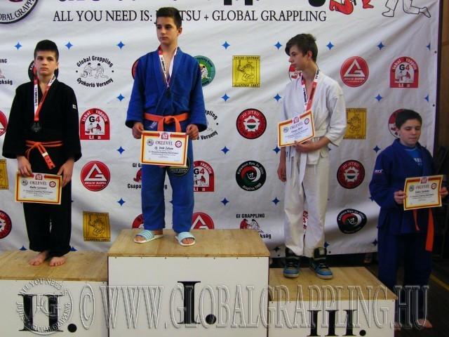 A Gi Grappling Ifjúsági 1 Fiú 53 kg dobogója