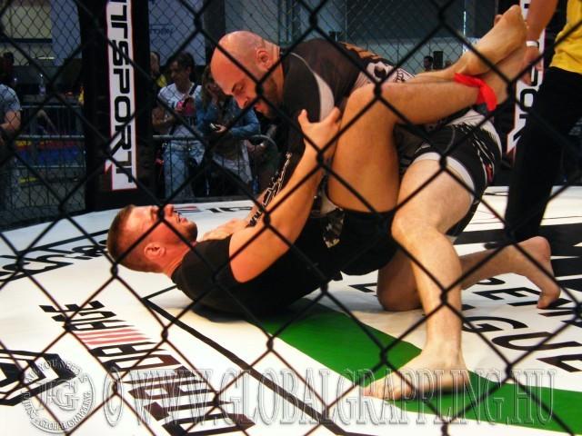 A Cage Grappling verseny névadója a Totaldamage portál volt