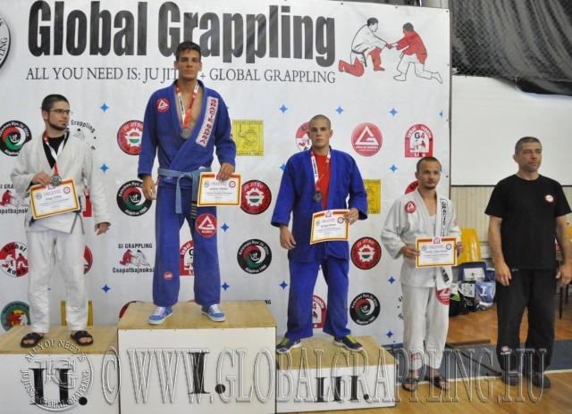 Gi Grappling Felnőtt Férfi 65 kg. dobogója
