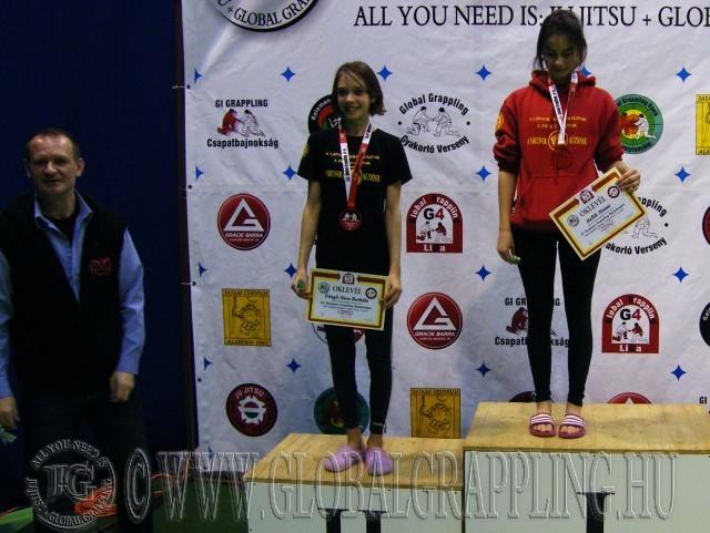 A versenyen díjat adott át Marián György a Prémium MMA Liga főtitkára