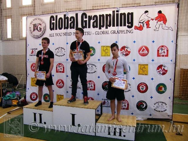 A NoGi Grappling Junior Fiú 65 kg dobogója