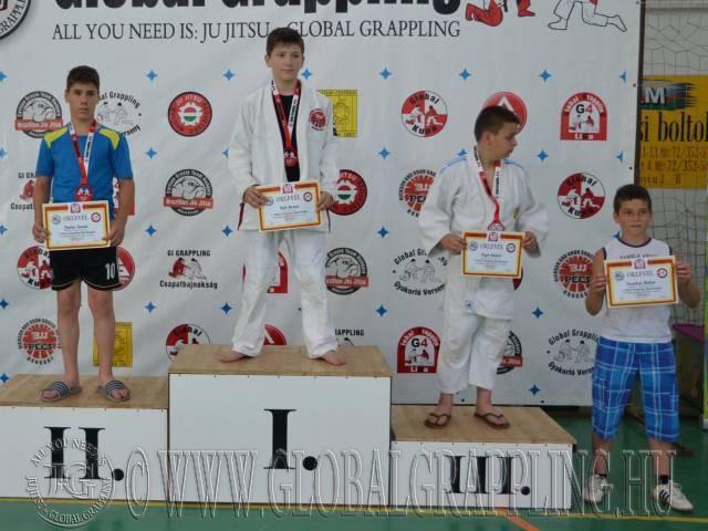 A Gi Ifjúsági1 Fiú 50 kg. kategória dobogója