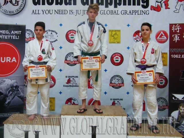 A Gi Grappling Ifjúsági 2 Fiú 55 kg kategória dobogója