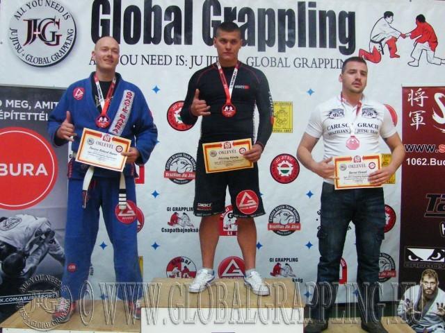A Gi Grappling Kezdő Férfi 95 kg kategória dobogója