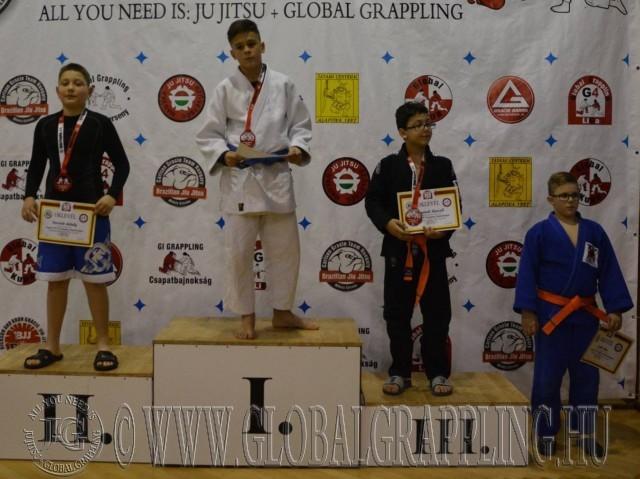 A Gi Grappling Ifjúsági 1 Fiú 50 kg kategória dobogója