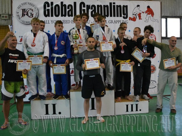A Gi Junior Fiú Csapatbajnokság dobogója