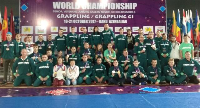 A magyar csapat tagjai a Világbajnokság helyszínén