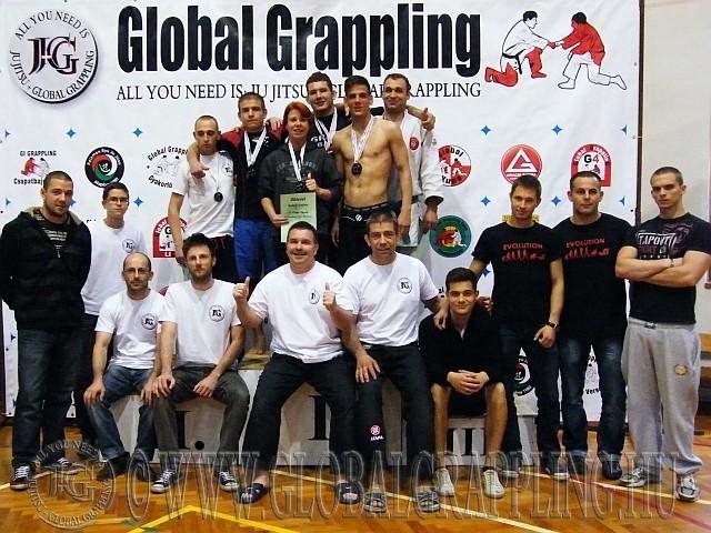 Csoportkép a szervezőkkel a II. Global Kupa végén