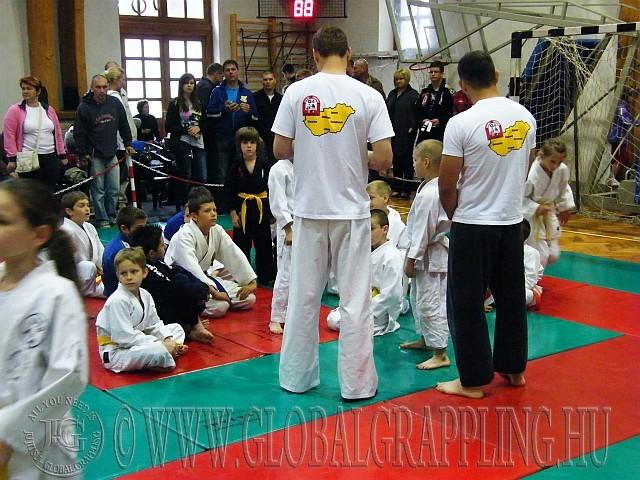 A fiú Gi Grappling Gyermek és Ifjúsági kategóriák résztvevői