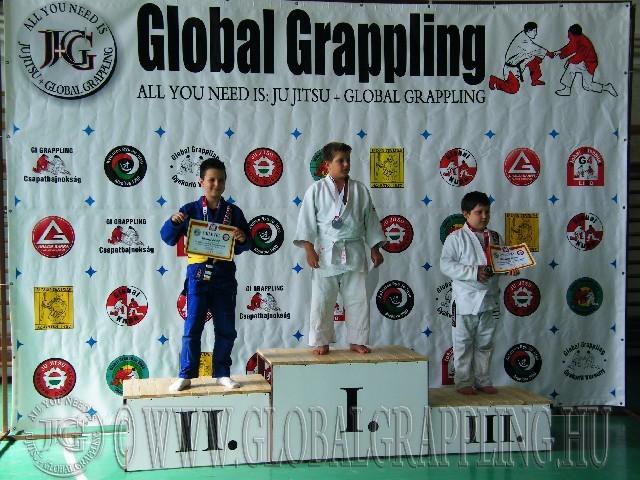 Gi Grappling Gyermek1 Fiú 40+ kg. dobogója