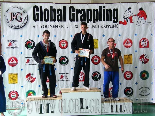 Gi Grappling Felnőtt Férfi 75 kg. dobogója