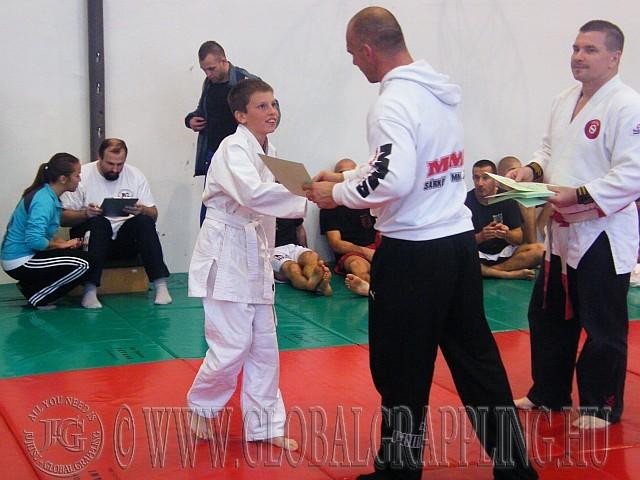 Az okleveleket Sárközi Róbert MMA Európa Bajnok adta át