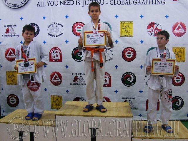 A Gi Grappling Gyermek1 Fiú 35 kg. kategória dobogója