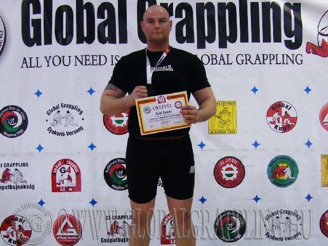 A Combat Grappling Felnőtt Férfi 105+ kg. kategória dobogója