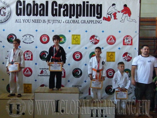 Gi Grappling Manó Fiú 28 kg. dobogója