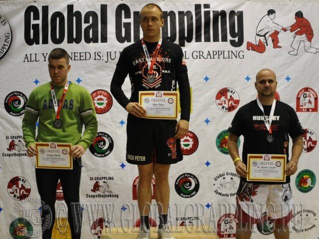 A NoGi Grappling Kezdő Felnőtt Férfi 85 kg. kategória dobogója
