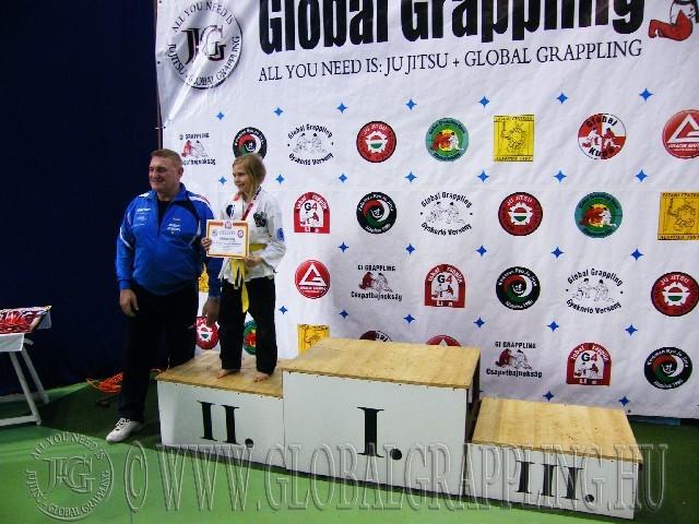 A Gi Grappling Gyermek 1 Leány 32 kg. kategória dobogója