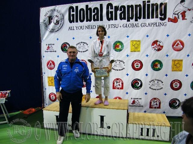 A Gi Grappling Ifjúsági 1 Leány 40 kg. kategória dobogója