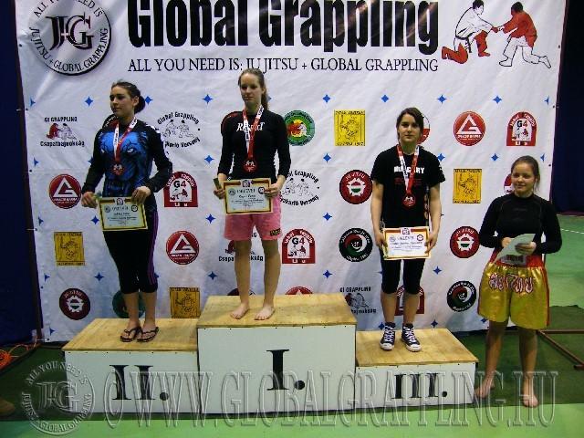 A NoGi Grappling Ifjúsági 2 Leány 65 kg. kategória dobogója