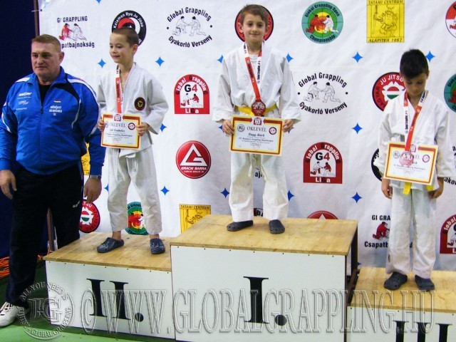 A versenyen díjat adott át Növényi Norbert Olimpiai és Világbajnok