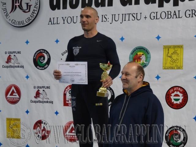 Legeredményesebb férfi versenyző: Benkő László – Bács-Team Kecel, a díjat átadta Nagy Róbert
