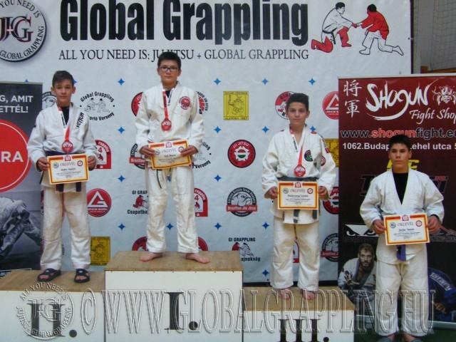 A Gi Grappling Ifjúsági 1 Fiú 55 kg kategória dobogója