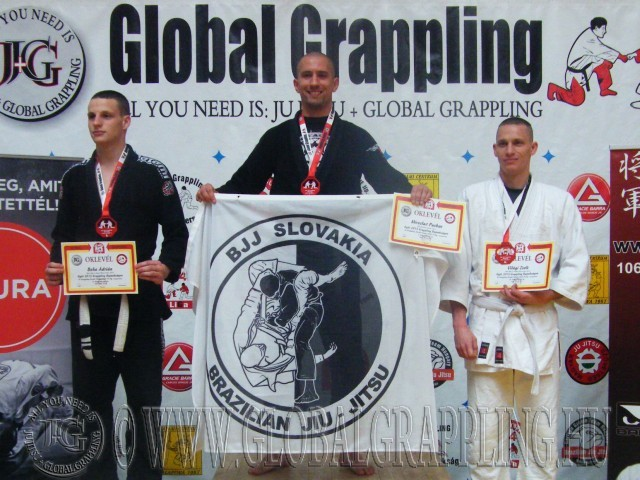 A Gi Grappling Kezdő Férfi 75 kg kategória dobogója