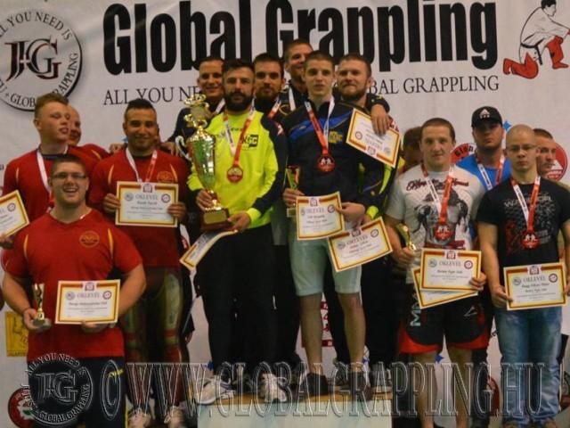A NoGi Felnőtt Férfi Csapatbajnokság első három helyezett csapata