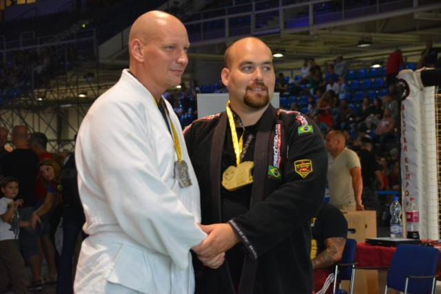 A NoGi-Cage Grappling Férfi 105+ kg kategória győztesei