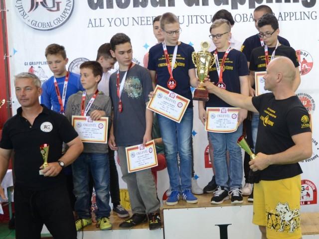 A NoGi Ifjúsági Fiú Csapatbajnokság dobogója