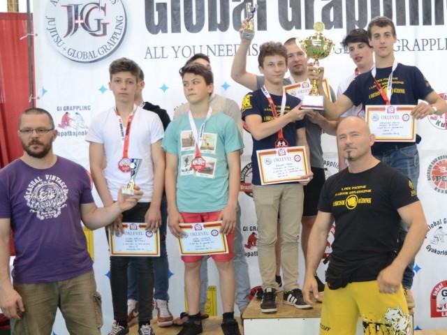 A NoGi Junior Fiú Csapatbajnokság dobogója