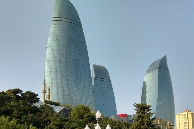 Baku egyik jelképe a Flame Towers