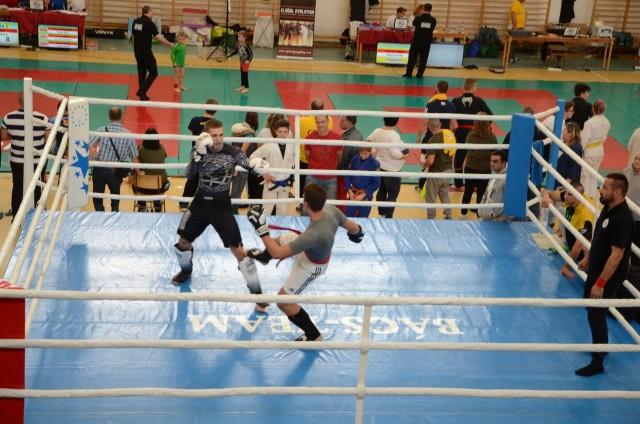 Kesztyűs Küzdelem a ringben