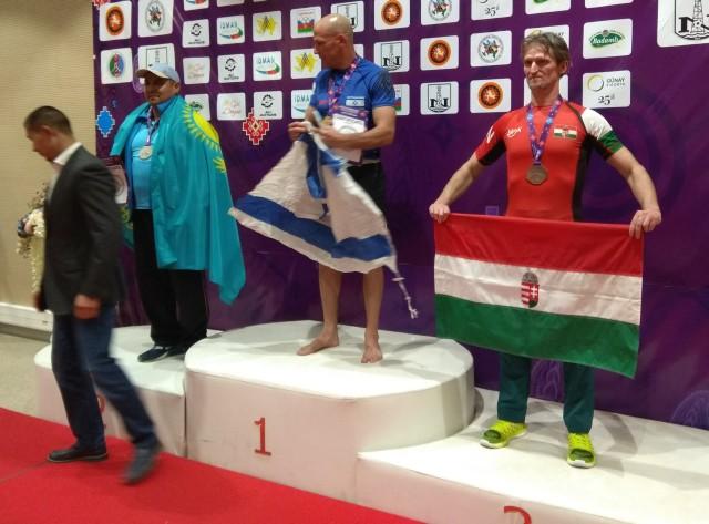 Doholutzki Tibor egy arany és egy bronzérmet nyert