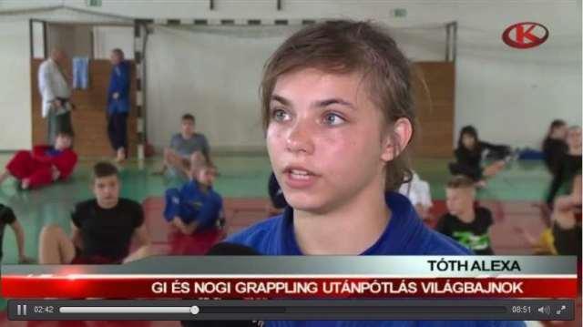 Tóth Alexa a Kapos TV-nek nyilatkozik a tavalyi Nyári Táborban